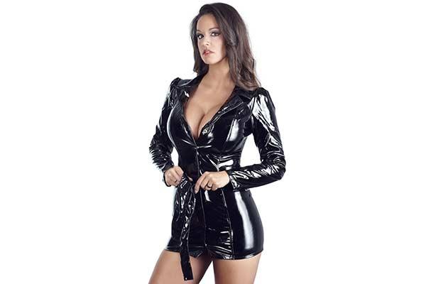 sexig lackklänning från Black Level